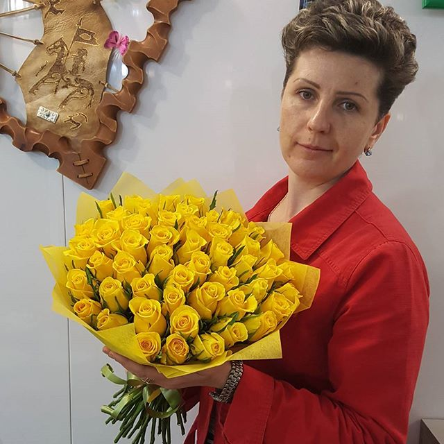 Букет 51 роза - 1500 руб
