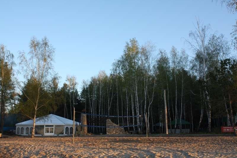 На территория базы отдыха Бригантина