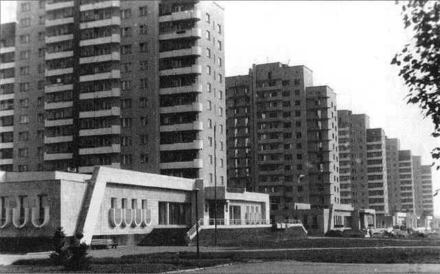 Липецк. Вид на улицу Космонавтов, дома №№108-100